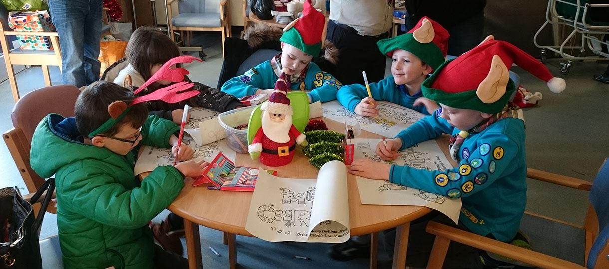 Beavers and Cubs spread festive cheer at local hospital